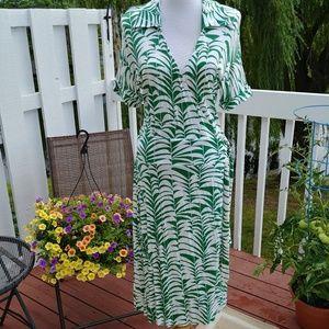 NWOT. Banana Republic Summer Dress. L